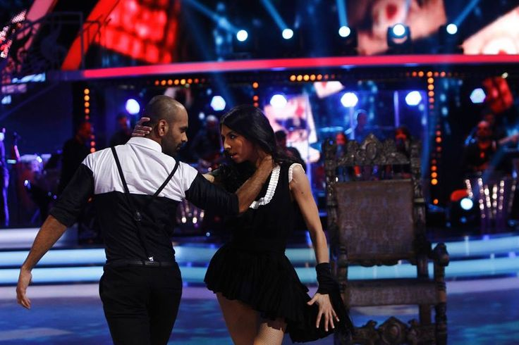 Always dance! #parlorstudio #tvshow #dancing #stars #dress #black #white