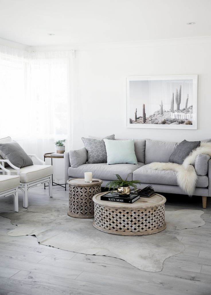 Painted in Taubmans' Snow Drop, the living room is decorated with a light touch to enhance the sense of space