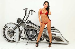 lowrider, custom car, hot rod, bikers and cars & girls: ZOOM sur the big times la HARLEY-DAVIDSON ROAD KING2006 DE MARCO MENDIETA