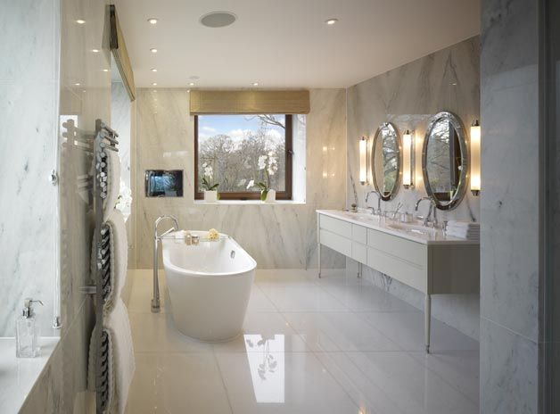 Frog hill designs cool luxurious marble in the bathroom for Cool master bathrooms
