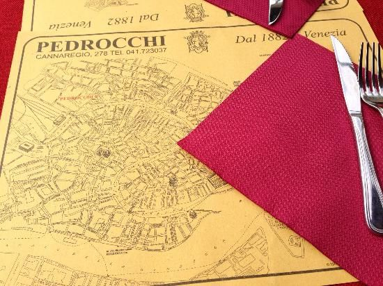 Ristorante Pedrocchi: Table setting with a very helpful map