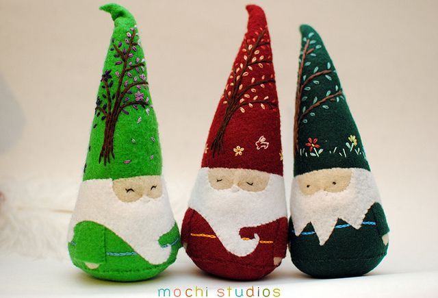 Roly polly gnomes. I love the details on the hats. :)