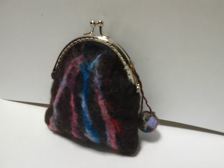 felted wool purse 羊毛フェルトがま口