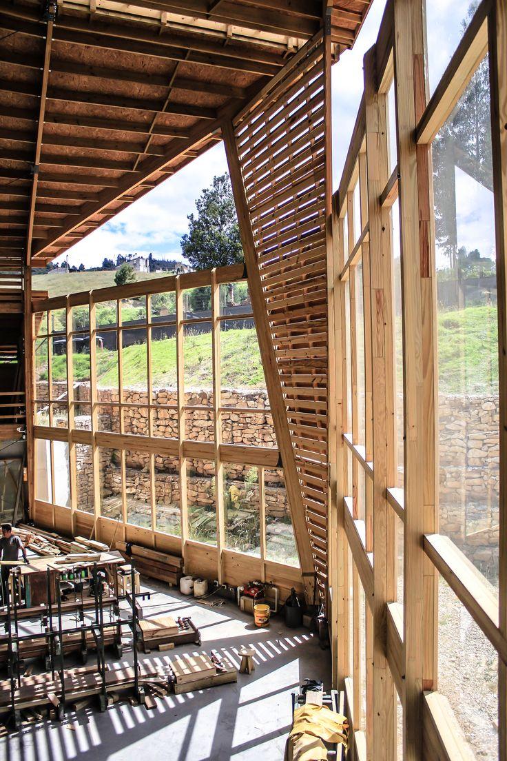 Detalle interior de fachada frontal de Bodega de producción de TDE #woodarchitecture #wood #madera #casasenmadera #arquitecturaenmadera http://www.tallerdensamble.com