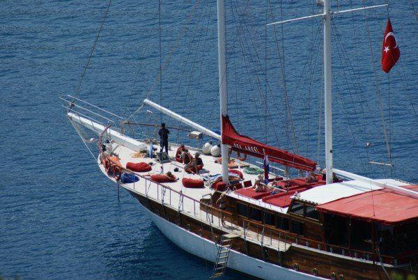 Kaş Otel'de tekne Yolculuğu Sizi Bekliyor..! #kaşotel www.korsanadahotel.com
