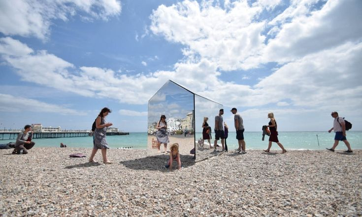 Mirrored Beach Hut by ECE Architecture is designed to initiate conversation among beach-goers, both locals and tourists.