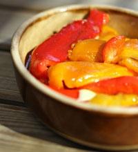 Comment peler les poivrons facilement et faire des poivrons marinés à l'huile d'olive