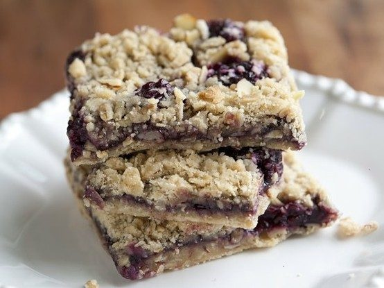 Blackberry-almond oatmeal bars (without the almonds of course)