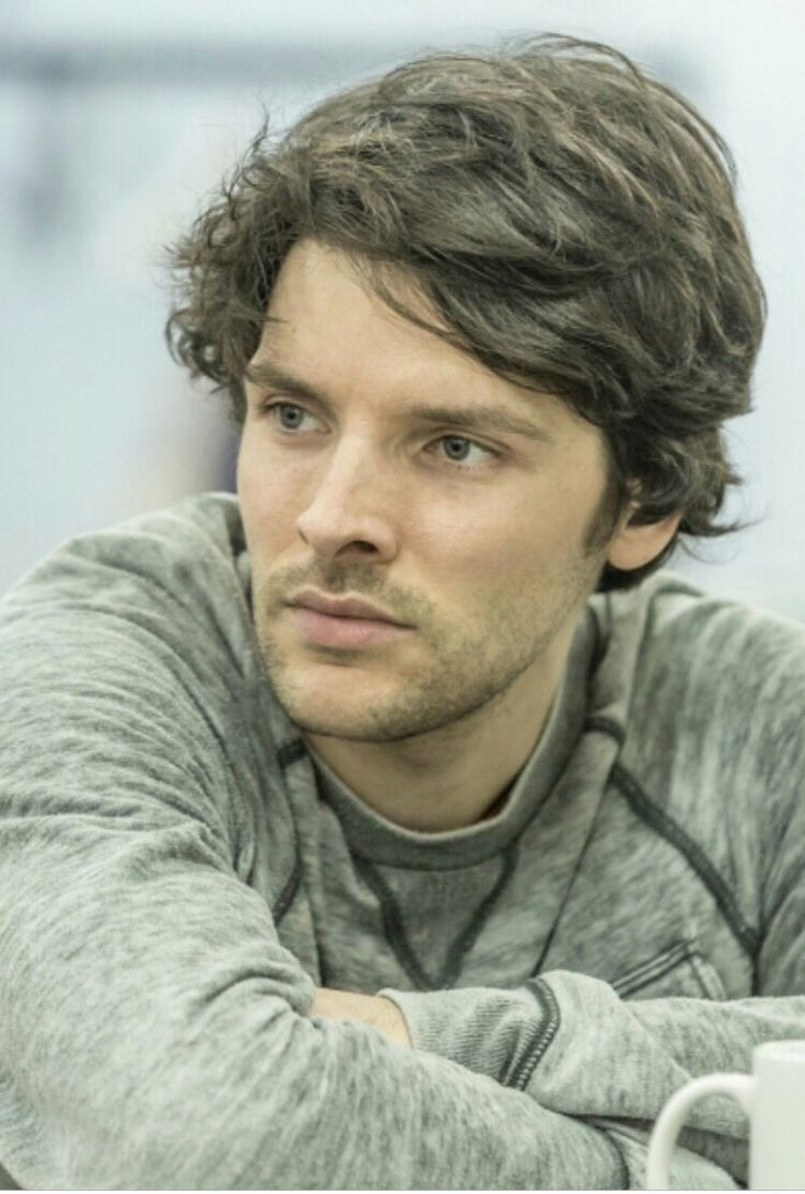 Colin Morgan, cast of Gloria