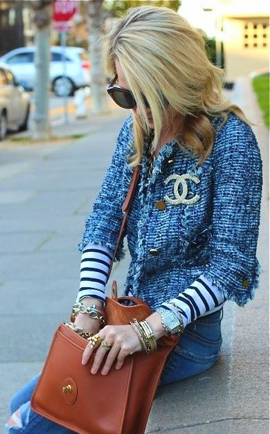 Denin tweed & Chanel pin chic