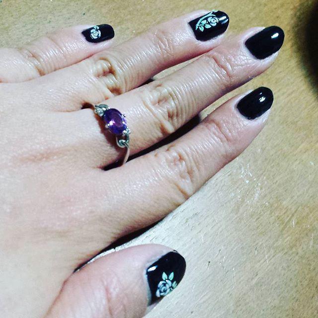 蔓薔薇#ネイル#セルフネイル#薔薇#ゴシック#黒#nail#selfnail#rose#gothic#black