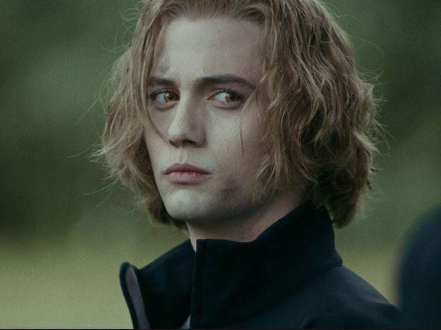 I got: Jasper! Who's your twilight boyfriend