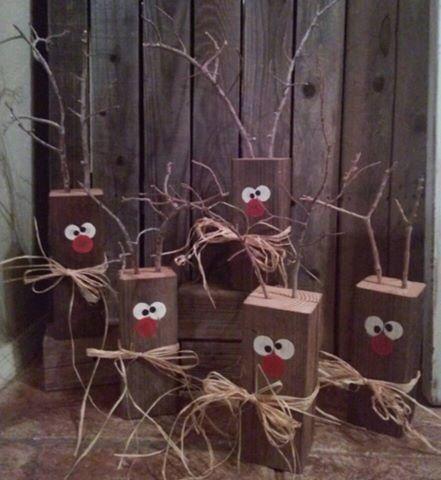 Wood block reindeer
