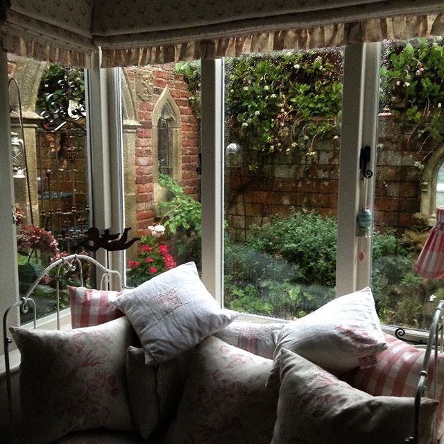 romantic shabby pinterest | Shabby and Charme: Il romantico cottage inglese di Tracey