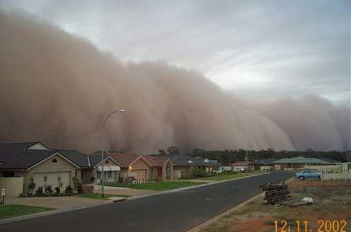 Griffith, Australia Dust Storm 2002