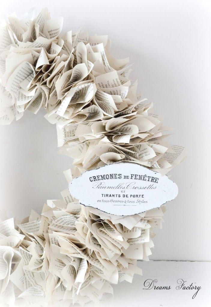 Book page wreath with French touches - Ghirlanda din pagini de carte, cu accente frantuzesti