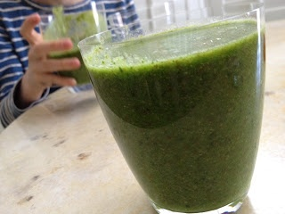 The Full Plate Blog: after school snack - super green machine smoothies