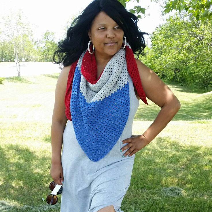 What are you wearing to your July 4th BBQ?   A sundress and a Black Pearl scarf is the perfect combination! When the sun goes down,  wrap it around your shoulders to go on with the fun!   #july4thoutfit #americana #4thjulyoutfitplussize #blackpearlcrochet