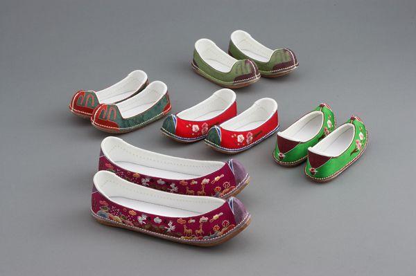 꽃신 [ Flower Shoes ]