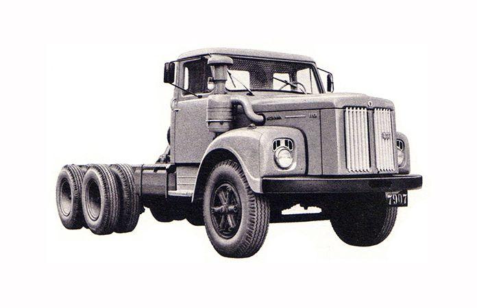 Scania LT 110, 6x4 apresentado no VI Salão do Automóvel.