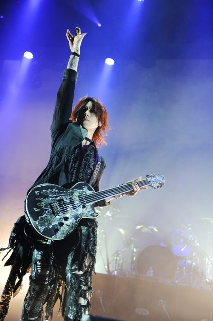 SUGIZO. Pic from a great website. Check it out.