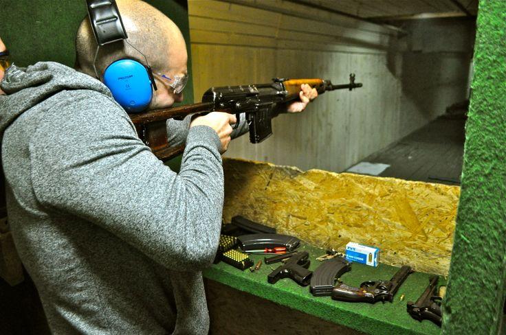 Shooting (AK47, Glock, Revolver...) http://www.crazy-evg.com