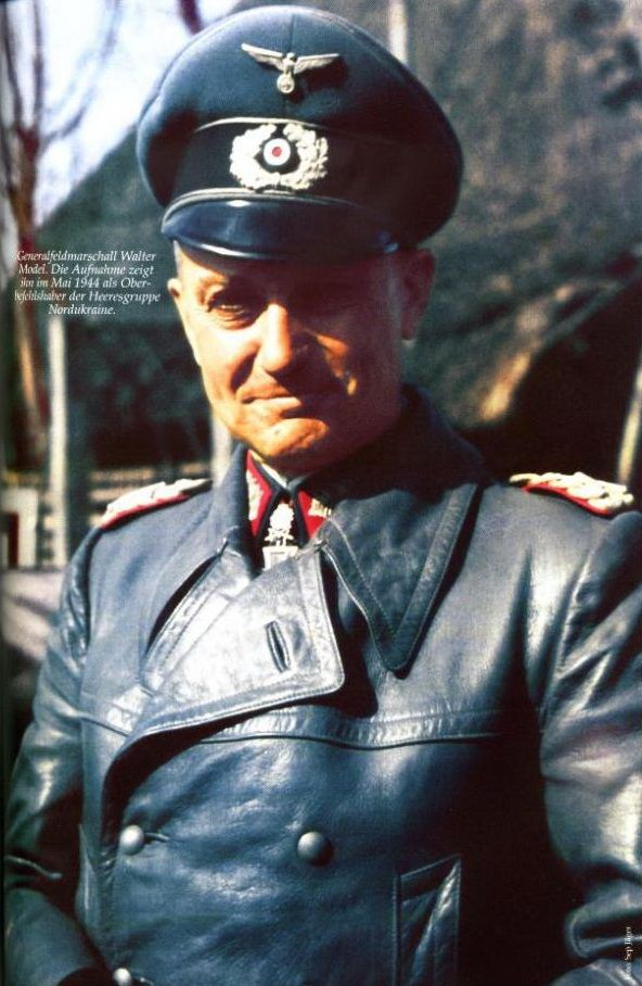 Generalfeldmarschall Walter Model in an image of the month of May 1944 which shows the medals he earned Schwerter dated 2 April 1943 as Generaloberst and Oberbefehlshaber 9.Armee