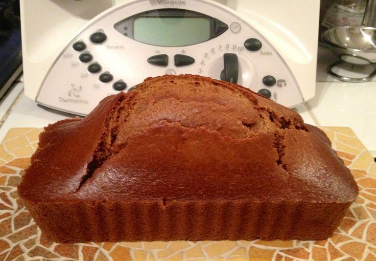 Bonne recette de pain d'épices pas trop riche ni sucré ;-) Ingrédients pour deux moules a cake moyens (18 x 9cm): 100 g de farine T110, 250 g de farine T45, 150 g de cassonade, 1.5 cc de bicarbonate de soude, 4 cc de mélange pour pain d'épice, 375 g de...