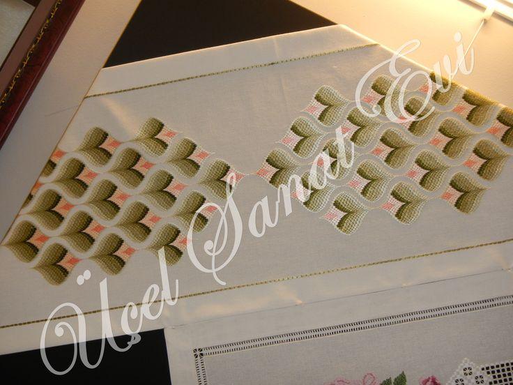 sergi,bargello,embroidery
