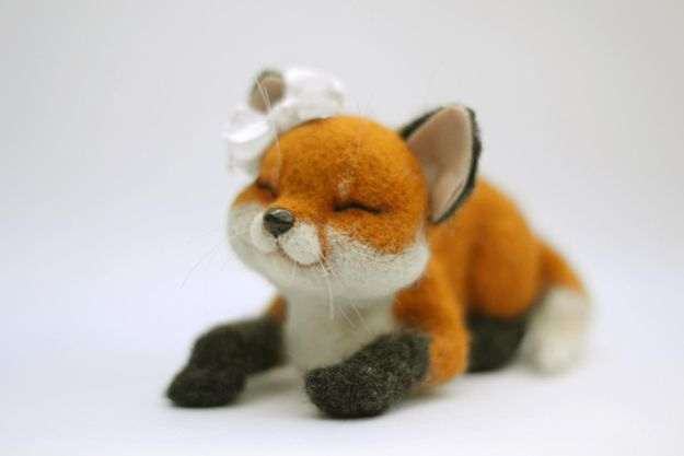Needle Felted Fox | 15 Fabulous Fox-Themed Crafts You CanOwn
