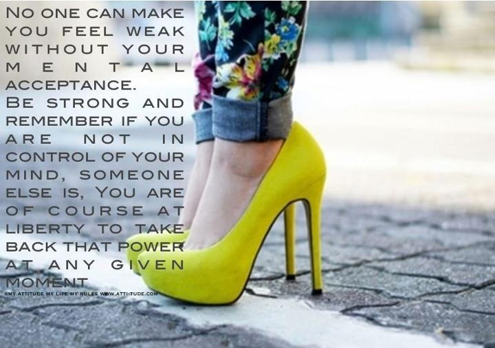 .: Yellow Flowers, Yellow Pumps, Prints Pants, Yellow Shoes, Yellow Heels, Neon Pumps, Summer Colors, Floral Pants, Crazy Pants