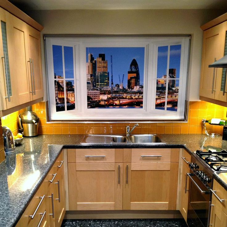This photo was sent into to us today showing a great use for our window view roller blinds  http://www.artfeverblinds.co.uk/shop/4584760444/rb25-london-skyline-over-the-river-thames-at-night-window-view-roller-blind/8252113