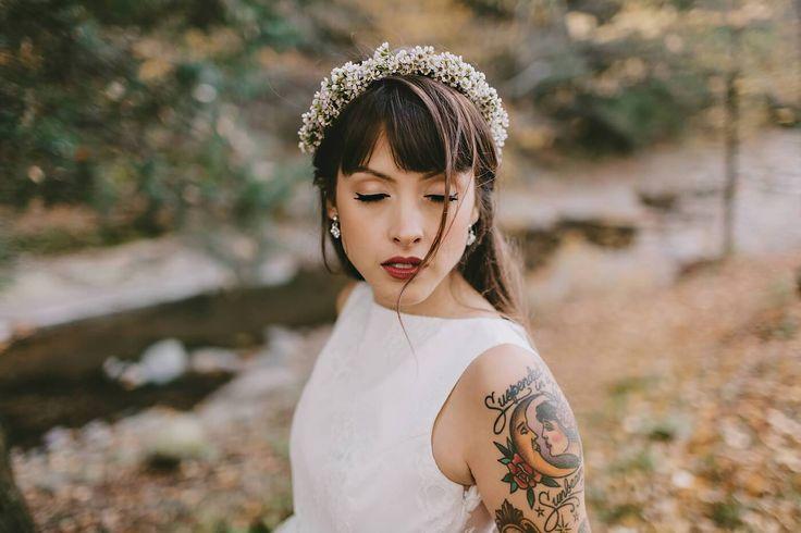 """Spose & tattoo: tatuaggio sì o tatuaggio no? La visione che la tradizione ci consegna della sposa è eterea, delicata, elegante…senza tatuaggi. Questa convenzione molto probabilmente non corrisponde più all'immagine che ci restituiscono le spose dei giorni nostri. Il tatuaggio infatti, è sempre meno un tabù e sempre più un """"normale"""" modo di esprimere se stessi. Peraltro, esso non è …"""