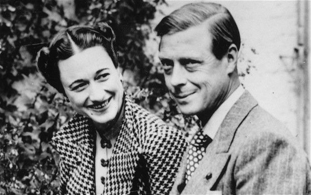 Prince Edward & Wallis Simpson kissing compilation by http://www.wikilove.com