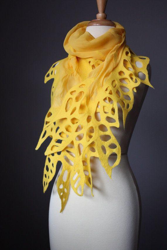 Farb-und Stilberatung mit www.farben-reich.com Nuno felted shawl wrap scarf Yellow Dandelion wool silk lacy leaf floral