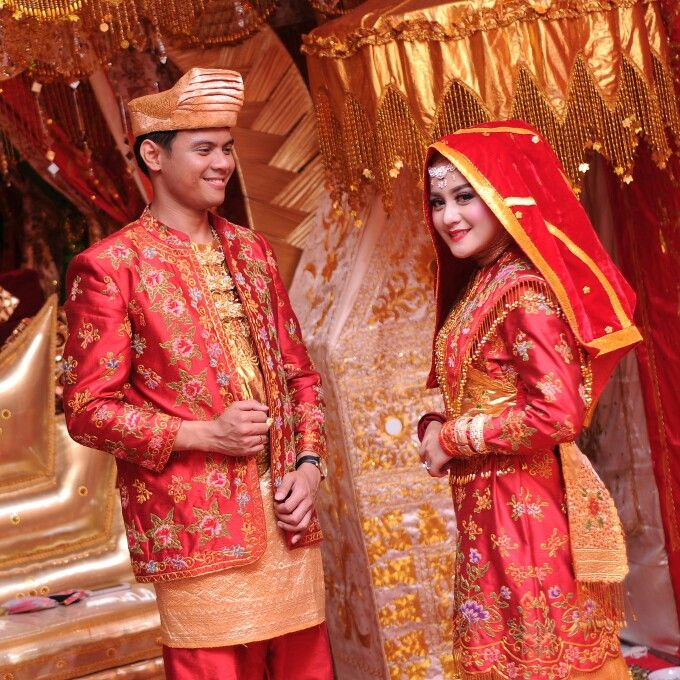 Minangkabau fashion for wedding: Jeihan & Teguh