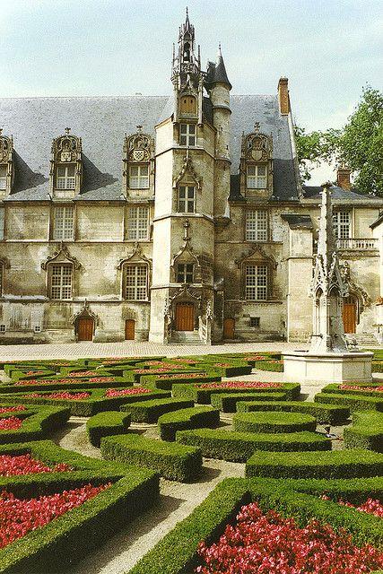 Palais d'Eveque, Beauvais, Picardie, France