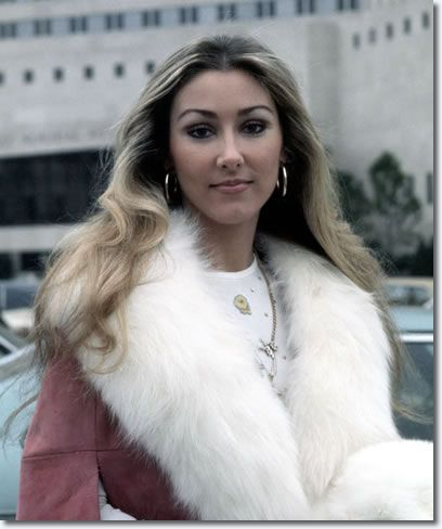Feb 12 1975 - Linda Thompson outside Memorial Baptist Hospital (Priscilla and Linda remain good friends to this day)