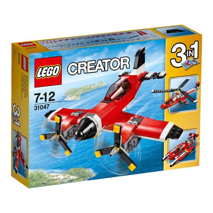 Conheça o sensacional Lego Creator - Avião a Hélice, um incrível conjunto 3 em 1 que vai proporcionar muitas aventuras animadas. Experimente este avião clássico que inclui um esquema de cores vermelho, branco e preto, hélices giratórias e um cockpit de abrir com lugar para uma minifigura (não incluída).   Suba lá para dentro, deslize rapidamente pela pista e lance-se no ar.   Quando terminar seu voo, baixe as rodas para fazer uma aterrissagem perfeita! Reconstrua para criar um hidravião de…