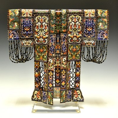 Sharmini Wirasekara. Kimono made entirely of beads. http://www.pismoglass.com/searchresults.php?artistId=10055361=10045865=bs========1