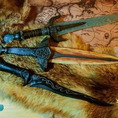 Stalhrim dagger, Dragonbone dagger & Ebony dagger (The Elder Scrolls V: Skyrim) by Folkenstal Armory #cosplay #props