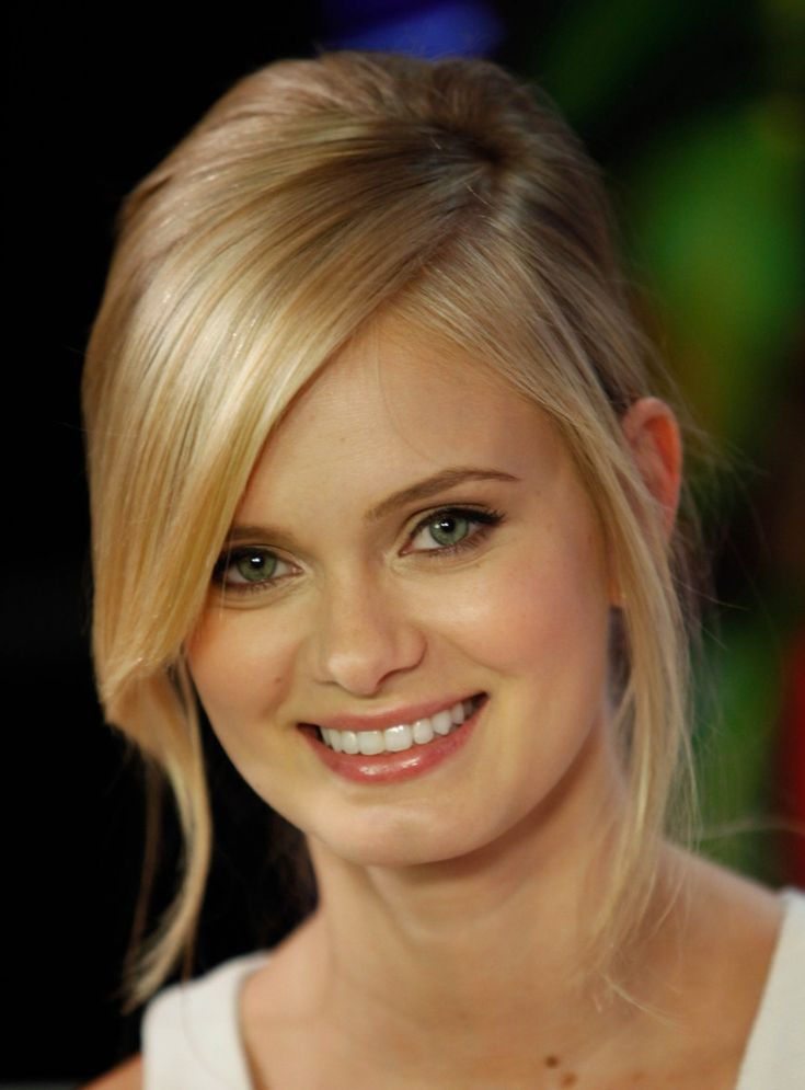sara paxton | Sara Paxton – Visits YoungHollywood.com, Los Angeles.