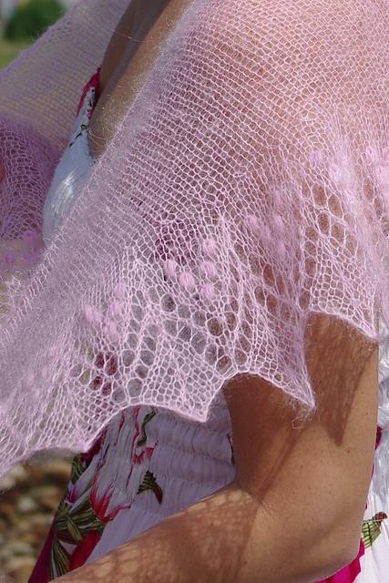 Ravelry: Pitsikudujas Baby Pink Annis  #knit #free_pattern