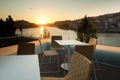 Terrace Lounge 360º, Largo Miguel Bombarda 23 - V. N. Gaia
