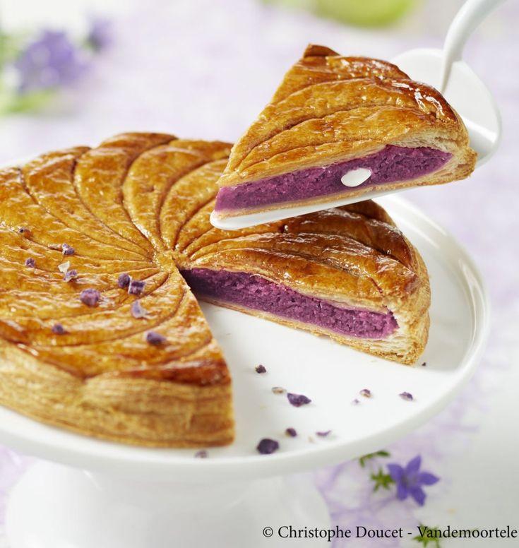Galette des rois crème d'amande et violette - les meilleures recettes de cuisine d'Ôdélices