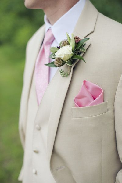 Tan three-piece suit, pink tie and coordinating pocket square with rose boutonniere {Daniele Carol Photography}