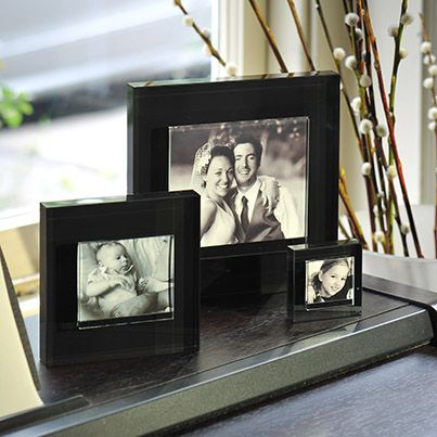 This addition to the block colour frames range will give any photograph a beautifully sleek and stylish setting in which it can be cherished. It particularly looks stunning when matched with a black and white photo. #Photo #Gift #Spaceform #London