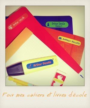 Des étiquettes pour les fournitures scolaires des enfants / c-monetiquette