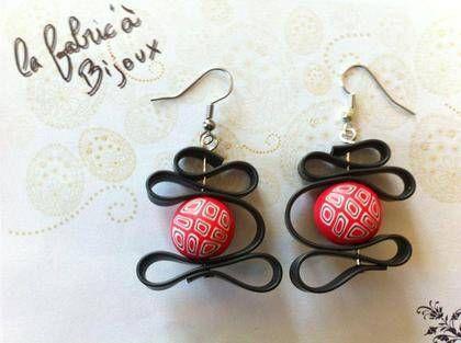 Boucles d'oreilles fimo et silicone rouge et noir boucle d'oreille (photo 1)