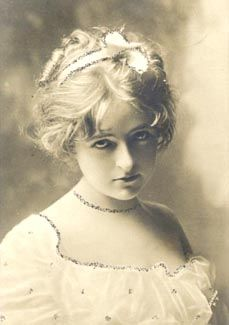 Hair-fashion for the average face demanded graceful waves, coquettish curls, and plaits of hair becomingly arranged.  Hair was often twisted and arranged to create the appearance of height and the look of an oval or round shape to the face.